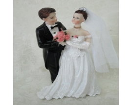 "8""  POLIRESIN WEDDING COUPLE"